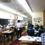 オーモリラーメン 新井店 - まさに地元の絶対王者っぷりのぶん混み状態!