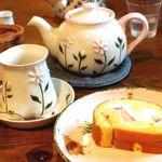 ラ・テイエ - フルーツロールと紅茶のセット