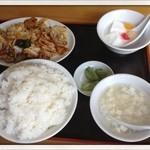 中国家庭料理 誠苑 -  Aランチ 豚肉とキャベツの甘辛味噌炒め定食 700円 2013.6