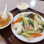 福仙楼 - ランチの中華丼