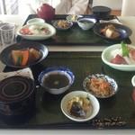 お食事処 濱の四季 - 「焼き魚、後から来ま〜す」と・・・