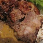 bisとろタカギ - フロマージュ・ド・テット。                             豚の頭肉を使ったコラーゲンたっぷりのテリーヌです。