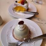 19559388 - 追加ケーキセットのケーキ