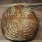 カフェ椿  - 料理写真:天然酵母パン レーズンパン特大