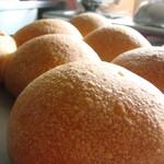 カフェ椿  - 天然酵母パン プレーンパン