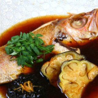 市場より産直できてる新鮮な魚(写真はのどぐろの煮つけ)