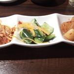 肉屋 弘商店 - 肉屋 弘商店のキムチ盛り合せ(12.03)