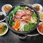 韓一館 - 鶏カルビ鉄板焼き