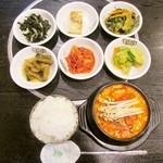 韓一館 - 順豆腐チゲ