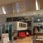 Trattoria&Pizzeria LOGIC - 中からの入口