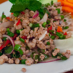 ジャスミンタイ - ラープガイ(鶏挽肉のサラダ)