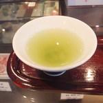 上林春松本店 - 店内で綾鷹を試飲させてくださいました!