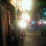 19568519 - お店のある歩道。奥が高宮方面