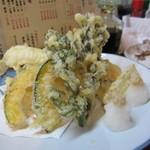 白帆 - 山菜とキスの天ぷら盛り
