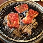 蔵家菊亭 - ここの火は炭火というのが嬉しい