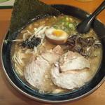 麺屋 かめせん - 焦がしニンニクラーメン(細麺) 650円