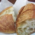 19577761 - ランチセットのパン