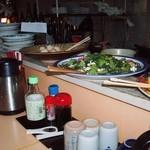 一休み - 里芋の煮物・小松菜と豆腐の煮浸し
