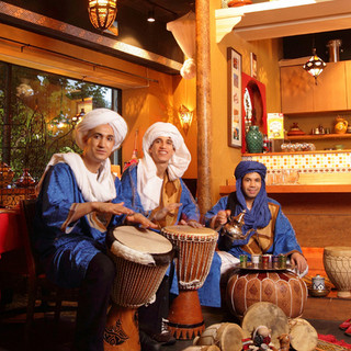 モロッコタジンやではベリーダンスショーを開催しております!