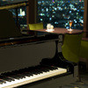 オーヴェスト - 内観写真:日替わりでジャズやポップスのピアノ生演奏がございます。(日曜日は自動演奏)