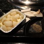スエヒロ館 - エリンギ、ニンニクバター焼き