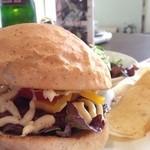 カフェ デ ルース - 名物の当別バーガー
