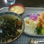 19598462 - 本日のおすすめBハンバーグ丼と唐あげ(ドリンク付)