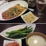 ケグリ - アボジセット(950円)。選べるメインディッシュは「ホルモンポッカ」、ドリンクはビンビール(アサヒスーパードライ)。下はマッコリ(300円)、白菜キムチ(250円)、やっこねぎサラダ(200円)