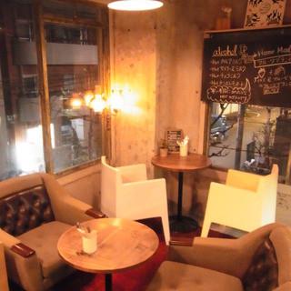 隠れ家カフェでアットホームパーティー♪