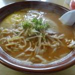 ポンポン亭 - 味噌バターラーメン650円