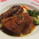 ブラッスリー・グー - 黒豚バラ肉の赤ワインビネガー煮込み