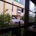 リンデン - 黄色いビルのまん前っす