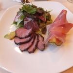 ビストロ・オードレ - 料理写真:前菜 鴨肉と生ハムメロン、生ハムサラダ