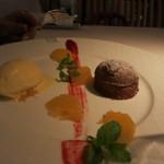 ジョルジュ マルソー - キャラメル風味の温かいフォンダンショコラとバニラのアイス。