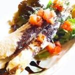 バロンズグリルアンドエルディーケー バロン - 鮭ハラスの竜田揚げ 濃厚バルサミコソース