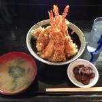 丼ぶりや - ランチ天丼550円海老3本ツヤピカご飯は少なめ。