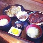 ほらふき亭 - 料理写真:ガッツリ定食(800円)