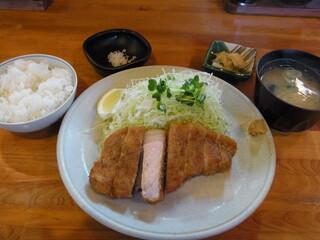 とんかつ ひやま - ロースかつ定食(1800円)