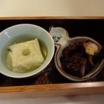 19634698 - 先付 : 青大豆どうふと蛸のやわらか煮