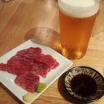 19635358 - 馬刺し+生ビール