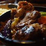 アジアンスープカリー べす - ラム煮カレー+豚+かき揚げ