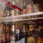 19637108 - 今日はどこの国へTRIPしますか?たくさんの国のビールがそろっており、気分でビールも選べる。