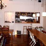 CAFE&DINING IMAGO - 静かで落ち着いた店内