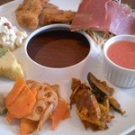 IL BECCAFICO - 豪華な前菜とスープ