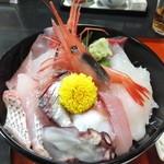 漁師の店 こだわり - 海鮮丼アップ