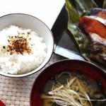 京粕漬 魚久  - 休日の朝食で・・・炊き立てご飯、お味噌汁、お漬物に焼魚!これが私の一番のご馳走で好物です