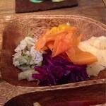 タマエテント - プレートランチの副菜