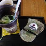 総本家 大茶萬 - 抹茶サイダーフロート:300円+和菓子:あじさい:180円