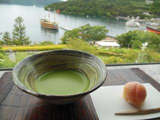 ティーラウンジ季節風 - 京都から仕入れているという抹茶