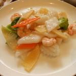 湘南菊華大飯店 - 野菜と海鮮炒め